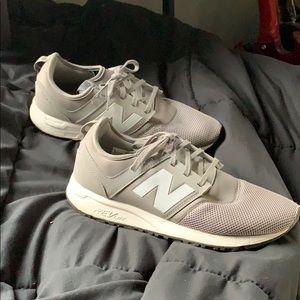 New Balance 247 Grey